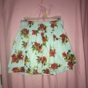 Floral Hollister skirt with Pockets!